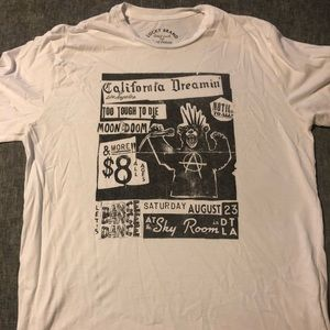 L Lucky Brand Graphic Tee-Shirt